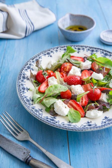 Salade-mozzarella-fraise-albane-hemon