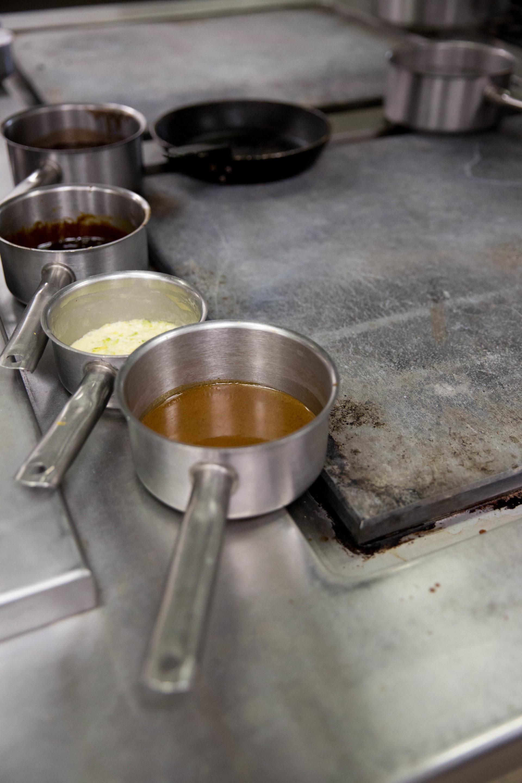Sauces cuisine Le Baron © Albane Hemon