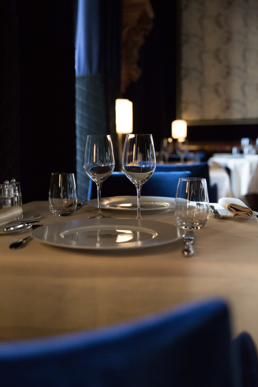 Restaurant Le Baron salle bleue © Albane Hemon