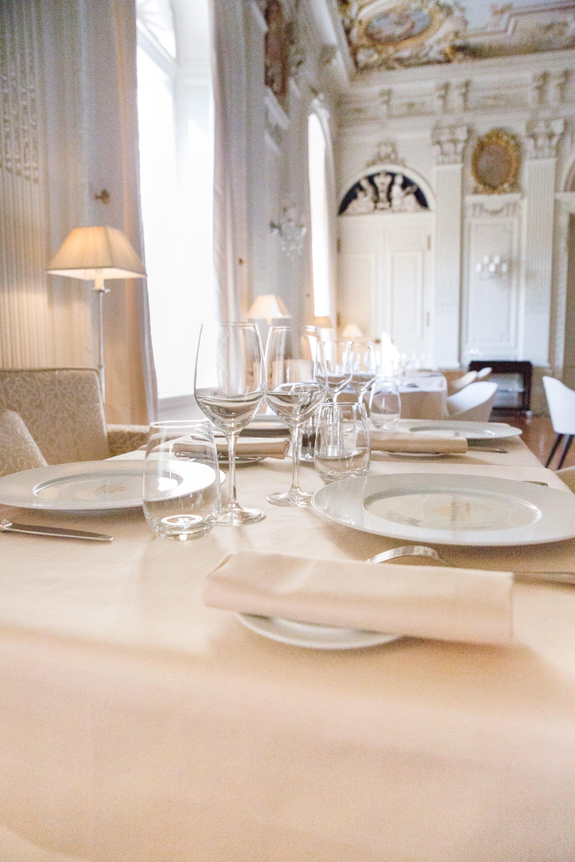 Salon blanc Restaurant Le Baron